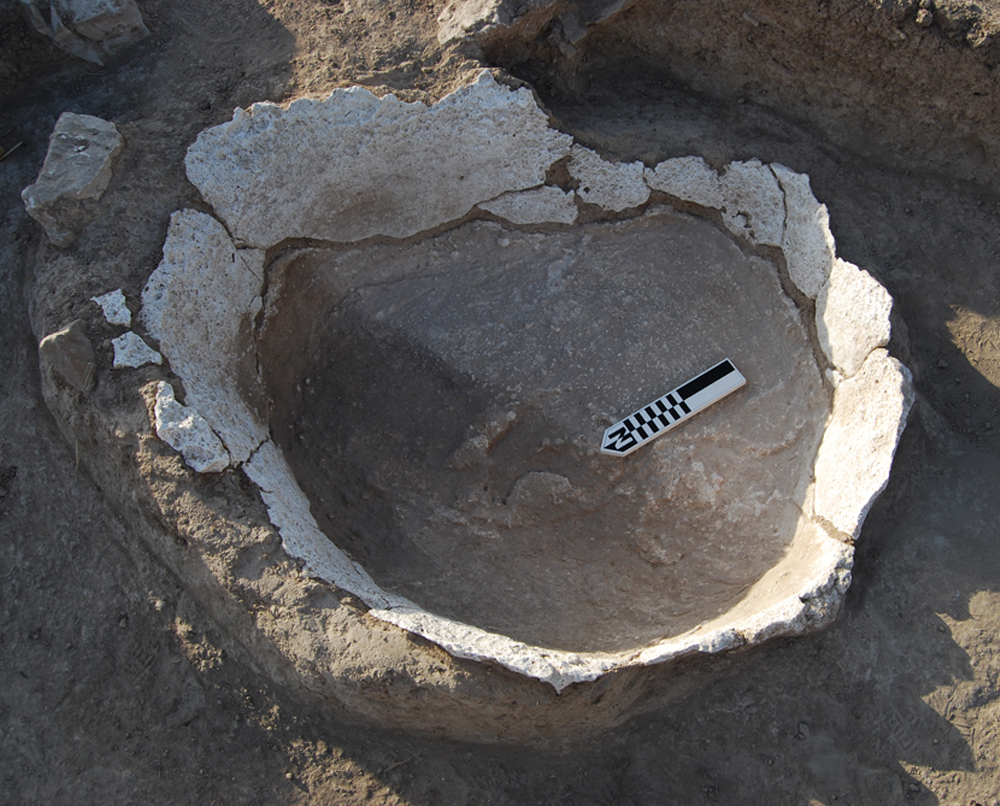 Oval-shaped structure. Oppidum Puente Tablas